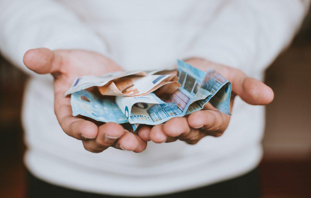 Beloon jezelf met cash om persoonlijke financiën leuk te maken!
